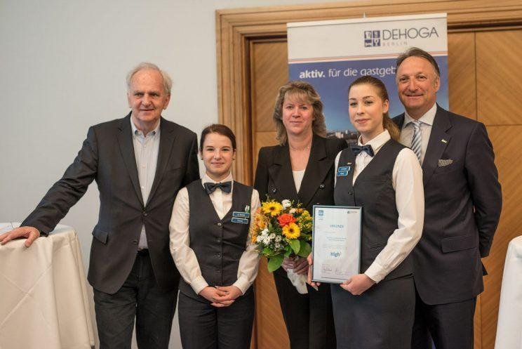 DEHOGA-Auszeichnung als TOP-5-Ausbildungsbetrieb Berlins – Park Inn Berlin Alexanderplatz