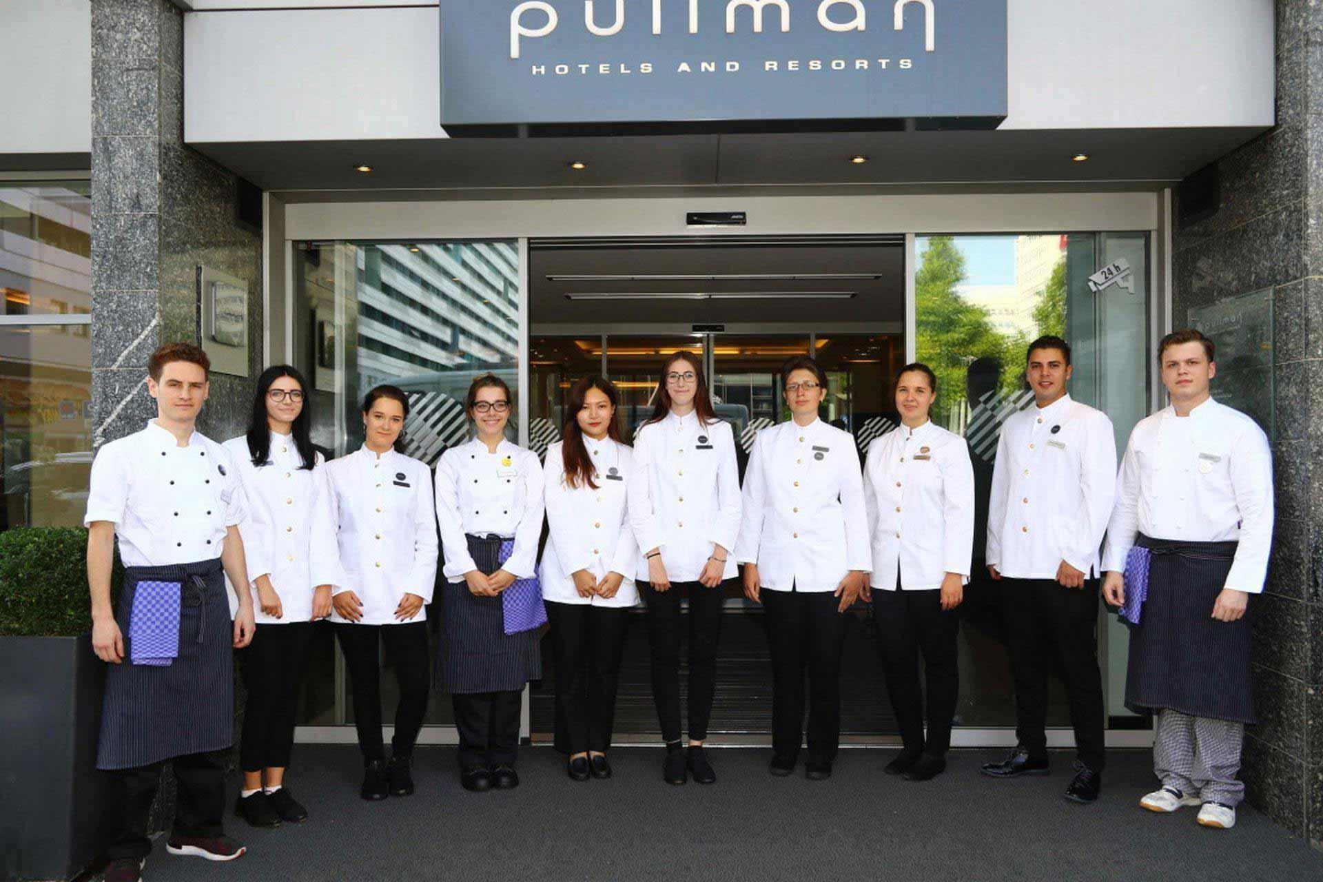 Neue azubis sind da ausbildung im pullman hotel dresden newa for Pullman newa dresden